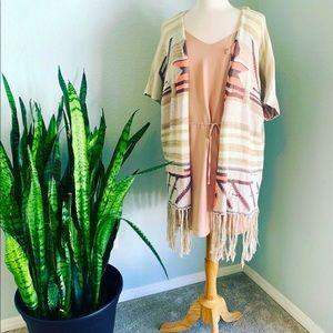 Aztec print short sleeve kimono